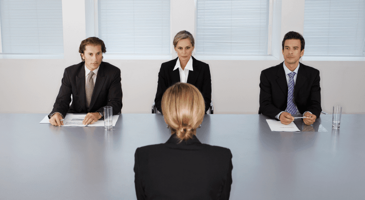 7 Important Items to Bring to Your First Job Interview | EduAdvisor
